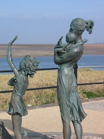 Saying goodbye (photo: P Smith, wikimedia commons public domain)